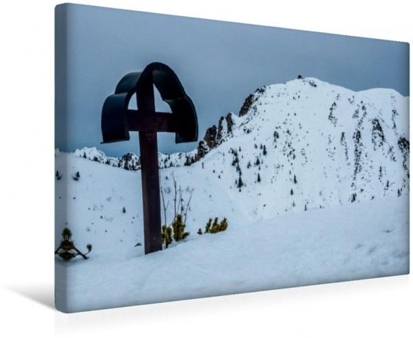 Wandbild Gipfelkreuz der Fahrenbergspitze 1627m, Bayerische Voralpen im Hintergrund der Herzogstand im Hintergrund der Herzogstand
