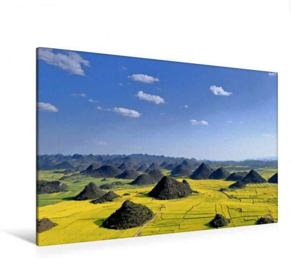 Wandbild Wildes China Einmal im Jahr verwandelt das gelbe Raps Blütenmeer inmitten der Karstgestein Hügellandschaft von Luoping die Gegend in einen unglaubliches Szenario. Einmal im Jahr verwandelt da
