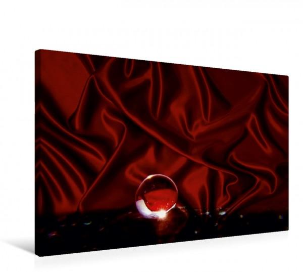 Wandbild Leuchtend roter Tropfen auf Seide Tropfen Tropfen