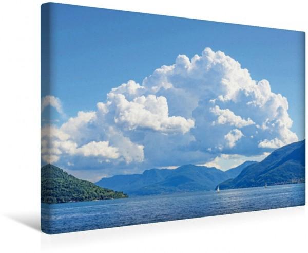Wandbild Wolkenberge im Tessin, Schweiz Wolken über dem Lago Maggiore Wolken über dem Lago Maggiore