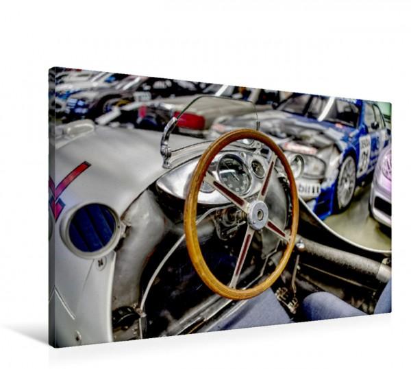 Wandbild Sportplatz: Im Cockpit dieses Silberpfeils saßen in legendäre Rennfahrer wie Caracciola und Lang.