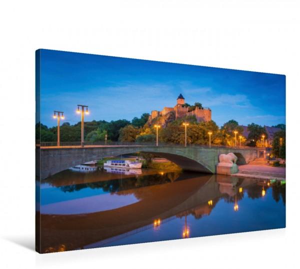 Wandbild Blaue Stunde am Giebichenstein Burg Giebichenstein in Halle-Saale an einem Abend im Sommer Burg Giebichenstein in Halle-Saale an einem Abend im Sommer