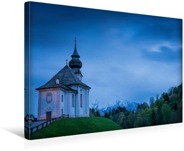 Wandbild Wallfahrtskirche Maria Gern Die Kirche in den Berchtesgadener Alpen mit Watzmann im Frühling Die Kirche in den Berchtesgadener Alpen mit Watzmann im Frühling