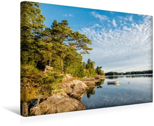 Wandbild Ein Boot an der Küste Ein Boot an der schwedischen Ostseeküste Ein Boot an der schwedischen Ostseeküste