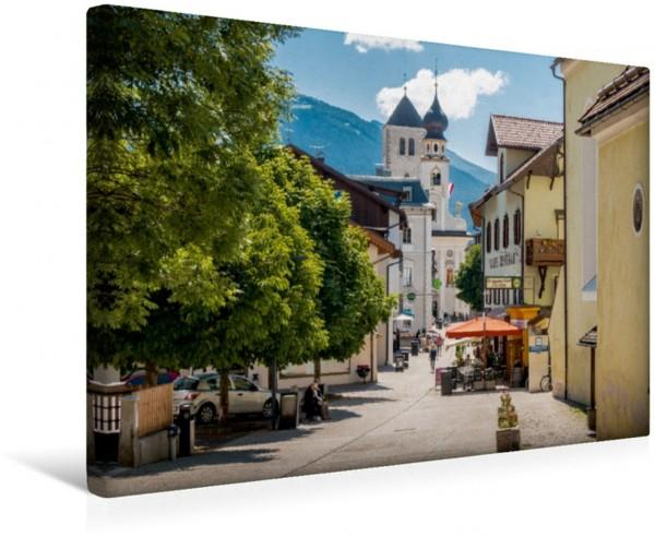 Wandbild Marktgemeinde Innichen im südtiroler Pustertal Das grüne Alpental in Italien Das grüne Alpental in Italien