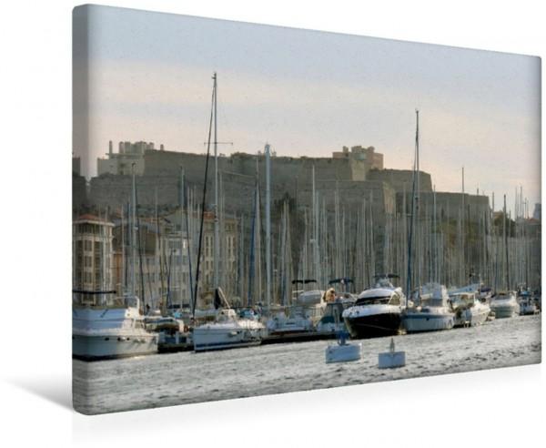Wandbild Im Vieux Port in Marseille mit Fort Saint Nicolas im Hintergrund