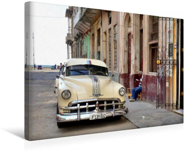 Wandbild Der US-Oldtimer Pontiac Streamliner Fastback in Havanna