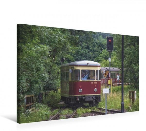 Wandbild Schienenbus Triebwagen 187 013 im Verbund mit dem Dampfzug nach Drei-Annen-Hohne Triebwagen 187 013 im Verbund mit dem Dampfzug nach Drei-Annen-Hohne
